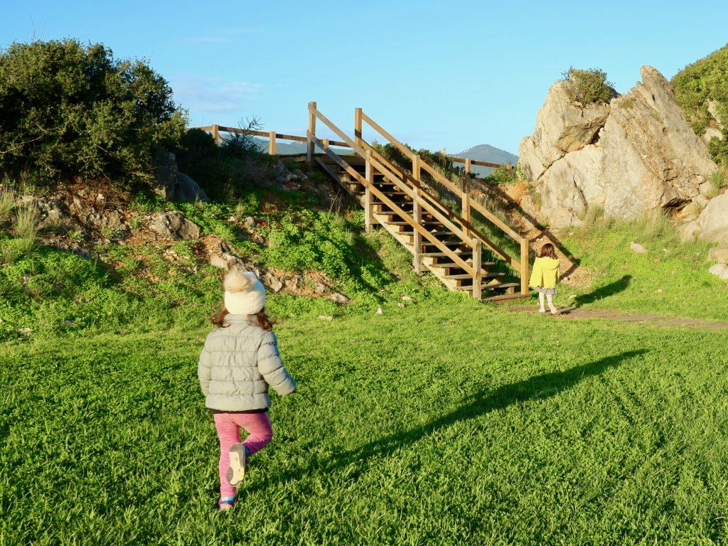 Wooden footpath, Penhas do Marmeleiro, Cascais